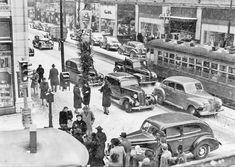 Downtown Des Moines, Dec. 11, 1941 Rainy Street, Des Moines Iowa, Cedar Falls, Iowa Hawkeyes, The Monks, Old Photos, Vintage Photos, History Photos, Pearl Harbor