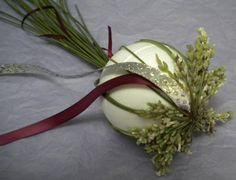 Christmas ornament using lavender stalks