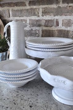 Styling tips for the kitchen....white accessories.
