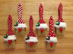 paint-brush-elves-trucsdenoel-tourism/ - The world's most private search engine Pinterest Christmas Crafts, Christmas Crafts To Make, Handmade Christmas Decorations, Christmas Ornament Crafts, Homemade Christmas Gifts, Diy Christmas Ornaments, Kids Christmas, Holiday Crafts, Santa Crafts