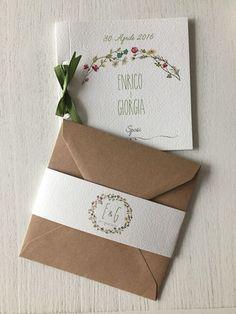 Feito à mão e sob medida, este convite é da La Cloclo, loja do Etsy  Os 10 convites de casamento mais pinados na Itália | Revista iCasei