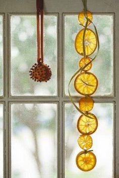 Hang aromatic orange garlands in a window where the light can also shine through~ is creative inspiration for us. Get more photo about home decor related with by looking at photos gallery at the bottom of this page. Natural Christmas, Noel Christmas, Winter Christmas, All Things Christmas, Christmas Ornaments, Deco Nature, Christmas Inspiration, Winter Holidays, Holiday Crafts