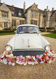 Want go reeally vintage? Pick a good ol' Indian Ambassador car! :D #indian #wedding