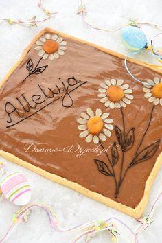 Mazurek kajmakowy Polish Recipes, Polish Food, Resurrection Day, Sweet Bakery, Butcher Block Cutting Board, Recipies, Easter, Cookies, Party