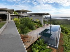 View of modern home designed by Design Unit architecture, estate, home, house, p… - Arbeitszimmer Zuhause Modern Pool House, Modern Pools, Modern House Design, Modern Architecture House, Residential Architecture, Architecture Design, Houses On Slopes, Hillside House, Backyard Cottage