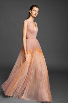 Mendel Spring 2020 Ready-to-Wear Fashion Show Collection: See the complete J. Mendel Spring 2020 Ready-to-Wear collection. Look 17 Fashion Week, Fashion 2020, Fashion Show, Dress Fashion, Tulle Gown, Costume, Couture Dresses, The Dress, Mannequins