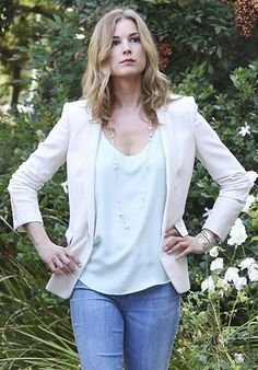 Emily's mint green top and white blazer on Revenge.  Outfit Details: http://wornontv.net/37754/ #Revenge