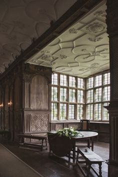 """shevyvision: """"The Tudor period Long Gallery, constructed around 1600 Haddon Hall, Derbyshire, U. """" Love Haddon Hall, one of my favourite places to visit. Architecture Details, Interior Architecture, Interior And Exterior, English Manor Houses, English House, English Interior, Classic Interior, Tudor House, Style Anglais"""