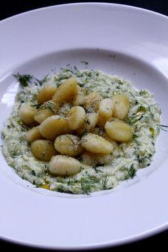 Gnocchi kapros cukkini mártásban recept