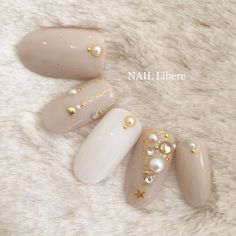 ネイル ネイル in 2020 Korean Nail Art, Korean Nails, Lily Nails, Pearl Nails, Brown Nails, Short Nails, Manicure And Pedicure, Christmas Nails, Hair Designs
