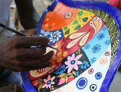 Jacmel est le creuset de l'artisanat et de la culture du terroir, connue pour ses activités carnavalesques.