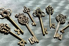 20pcs+Skeleton+Key+Collection++antiqued+bronze+by+PineappleSupply,+$9.75