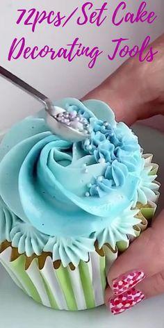 Cupcake Decorating Tips, Cake Decorating Designs, Cake Decorating Classes, Wilton Cake Decorating, Cake Decorating Techniques, Cake Designs, Fondant Flower Cupcakes, Fun Cupcakes, Cupcake Cakes