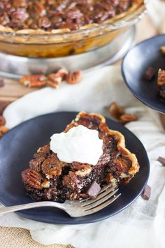 Dark Chocolate Molasses Pecan Pie – Dan330