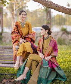 - Source by - Pakistani Party Wear Dresses, Simple Pakistani Dresses, Pakistani Fashion Casual, Pakistani Dress Design, Pakistani Outfits, Indian Outfits, Indian Fashion, Pakistani Bridal, Indian Dresses