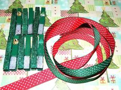 Christmas Card reversible holder by gr8byz on Etsy, $8.00