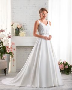 531 gown from the 2015 Bonny Bridal collection, as seen on Bride.Canada