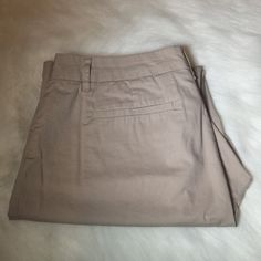 "Tan Liz Claiborne ""Jackie"" work pants These beautiful Liz Claiborne tan pants are perfect for work made with 98% cotton and wide legs they are the perfect comfort for a busy day. Liz Claiborne Pants"