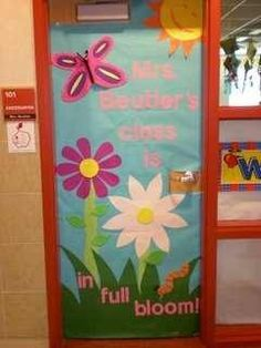 classroom-door-decorations-flowers i like maybe for spring & I love this apple door decoration idea! So cute and perfect for fall ...