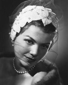 Anne Baxter (May 7, 1923-December 12, 1985) photo 1946, age 23