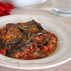 melanzane al sugo e basilico