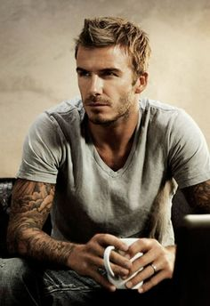 David Beckham Hot and Sexy with Beautiful Tattoos. Hot Men, Hot Guys, David Beckham Pictures, Estilo David Beckham, Pretty People, Beautiful People, Beautiful Celebrities, Raining Men, Attractive Men