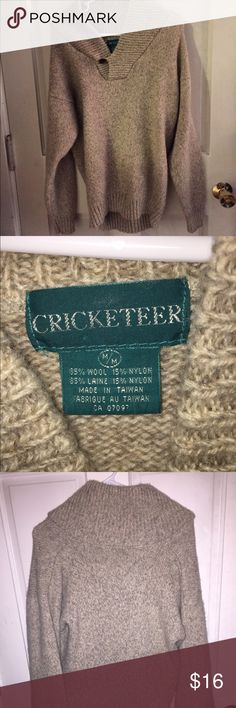 Cricketeer sweater This sweater is very thick and warm, perfect for fall and winter. Size medium Cricketeer Sweaters