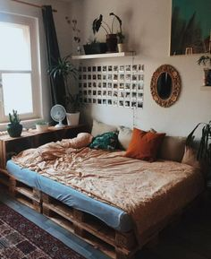 33 Awesome College Bedroom Decor Ideas and Remodel - 33 Bedroom Design Ideas - College Bedroom Decor, Dorm Room, College Bedrooms, Travel Room Decor, Travel Bedroom, Cool Room Decor, College Room, Aesthetic Room Decor, Aesthetic Space