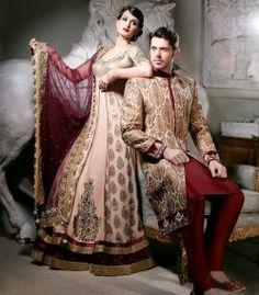 """Tenue de mariage indienne de couleurs traditionnelles (bordeaux et crème) chez Sonas Haute Couture (""""Anarkali dress"""" et """"Sherwani"""")"""