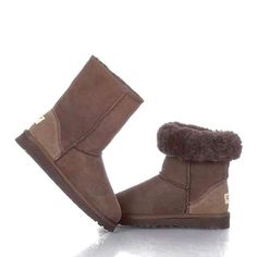 UGG Classic Short Boots 5825 Chocolate, So want a pair of these! Ugg Boots Sale, Ugg Boots Cheap, Classic Ugg Boots, Ugg Classic Short, Sheepskin Ugg Boots, Uggs For Cheap, Milan Fashion Weeks, Boots Online, Bearpaw Boots