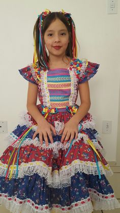 Vestido festa junina ... caipira Country Dresses, Fifa, Halloween Party, Children, Fashion, Kids Fashion, Children Costumes, Infant Dresses, Dresses For Girls