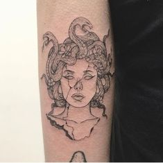 Medusa tattoo - Medusa tattoo – – You are in the right place about Medusa tattoo Tattoo Design - Mini Tattoos, Leg Tattoos, Body Art Tattoos, Sleeve Tattoos, Cool Tattoos, Tatoos, Tattoo On Leg, Cute Small Tattoos, Dream Tattoos