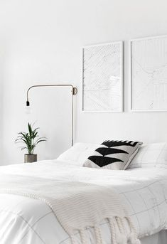 light minimal bedroom 2 Tips for styling a modern and Scandinavian interior. Light and neutral monochrome bedroom. Scandinavian Bedroom Decor, White Bedroom Decor, Scandinavian Interior Design, Home Bedroom, Bedroom Furniture, Bedroom 2017, Master Bedroom, Nordic Bedroom, Scandinavian Design