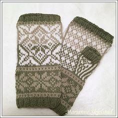 Ravelry: Fargespill pulsvanter pattern by Marianne Skjelstad Mitten Gloves, Mittens, Fingerless Gloves, Arm Warmers, Ravelry, Shawl, Knit Crochet, Socks, Knitting