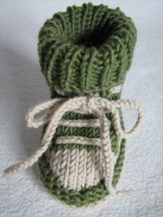 Baby-Schuhe stricken - DIY-Baby-Turnschuhe ✓