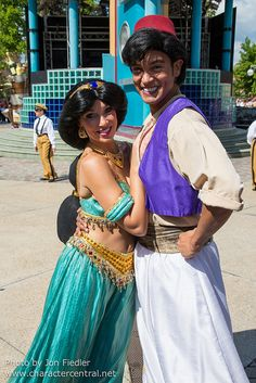Disneyland Paris, France August 2014 Visit our site Disney Character Central for tons more Disney and Character pictures! Princess Jasmine Cosplay, All Disney Characters, Aladdin And Jasmine, Princess Costumes, Disneyland Paris, Disney Love, Disney Parks, Woman Quotes, Disney Dreams