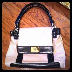 NINE WEST handbag purse Used once, pink inside, gold hardware, like new Nine West Bags
