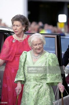 Princess Margaret with Queen Elizabeth the Queen Mother on her 100th birthday at Covent Garden. August 4 2000.