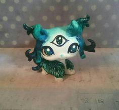 Lps custom cat Spirit Dark green