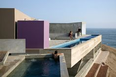 http://www.archdaily.com/215630/w-houses-barclay-crousse/bc-laescondida-tl3-206/
