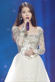 Cute Korean, Korean Girl, Asian Girl, Golden Disk Awards, Blackpink Fashion, Kawaii Girl, Korean Beauty, Beautiful Actresses, Kpop Girls