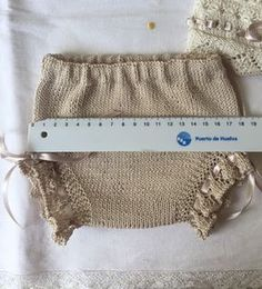 Blog Abuela Encarna Baby Knitting Patterns, Crochet Patterns, Crochet Bib, Other Outfits, Arm Warmers, Lace Shorts, Reusable Tote Bags, Color Beige, Erika