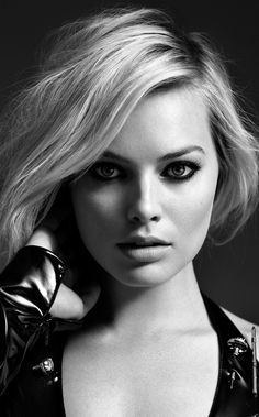 Framed Print  Actress Margot Robbie (Picture Poster Film Movie Star Blu-Ray) #ebay #Home & Garden