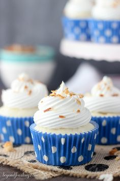 These Skinny Coconut Cream Pie Cupcakes are full of flavor without all the calories. Only 5 Weight Waters Smart Points. The coconut cupcake is filled with a sugar-free, fat-free coconut pudding and topped with Cool Whip. Strawberry Cheesecake Cupcakes, Coconut Cupcakes, Coconut Pudding, Vanilla Pudding Mix, Coconut Custard, Cool Whip, Cupcake Flavors, Cupcake Recipes, Diet Soda Cake