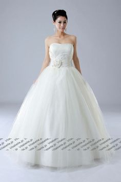 ball #gown wedding dress for petite #bride, #wedding gown, #bridal gown
