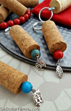 DIY Wine Cork Keychains - Looking for a quick, easy and awesome DIY Gift Idea? These DIY Wine Cork Keychains are a GREAT option! Upcycle and gift awesomely!