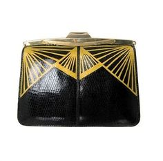 Art deco clutch via here In keeping with the apartment we bought. Wouldnt it be nice to own this beautiful art deco clutch? The art deco. Vintage Purses, Vintage Bags, Vintage Handbags, Vintage Shoes, Vintage Brooches, Bijoux Art Deco, Art Deco Jewelry, Art Nouveau, Estilo Art Deco