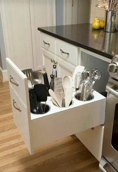 Grandiosa idea Para mantener los cucharones organizados y la cubierta de la cocina despejada.