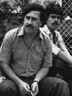 December 2 marks the anniversary since the infamous King of Cocaine, Pablo Escobar, was gunned down by police in Colombia. Here's 20 remarkable pictures from his life. Pablo Emilio Escobar, Pablo Escobar Death, Don Pablo Escobar, Pablo Escobar House, Real Gangster, Mafia Gangster, Gangsters, Narcos Escobar, Colombian Drug Lord