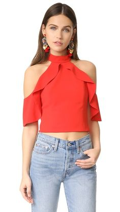 ¡Consigue este tipo de top corto de Alice + Olivia ahora! Haz clic para ver los detalles. Envíos gratis a toda España. Alice + olivia Cabot Cold Shoulder Ruffle Crop Top: Ruffled capelet sleeves add soft volume to this open-shoulder alice + olivia crop top. High neckline. Exposed back zip. Lined. Fabric: Crepe. Shell: 100% polyester. Lining: 94% polyester/6% elastane. Dry clean. Imported, China. Measurements Length: 17.75in / 45cm, from shoulder Measurements from size 4 (top corto, crop…